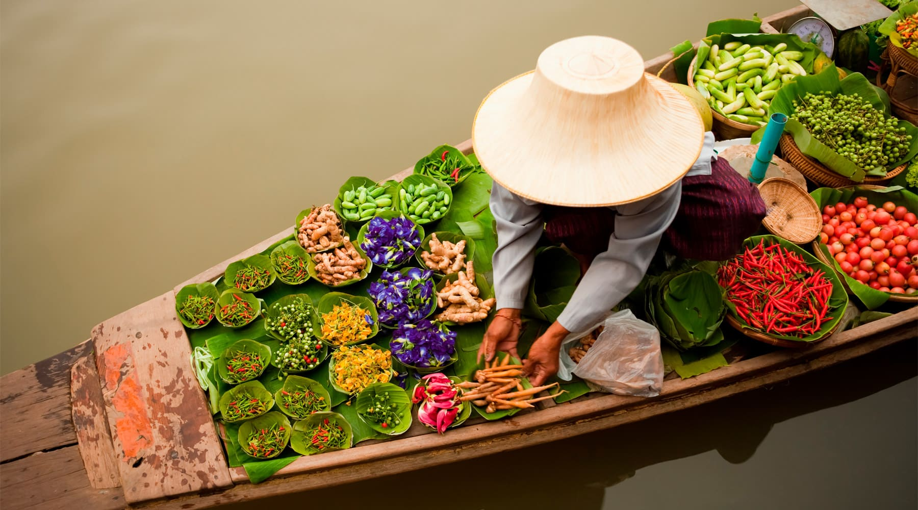 5 Most Famous Floating Markets in Thailand