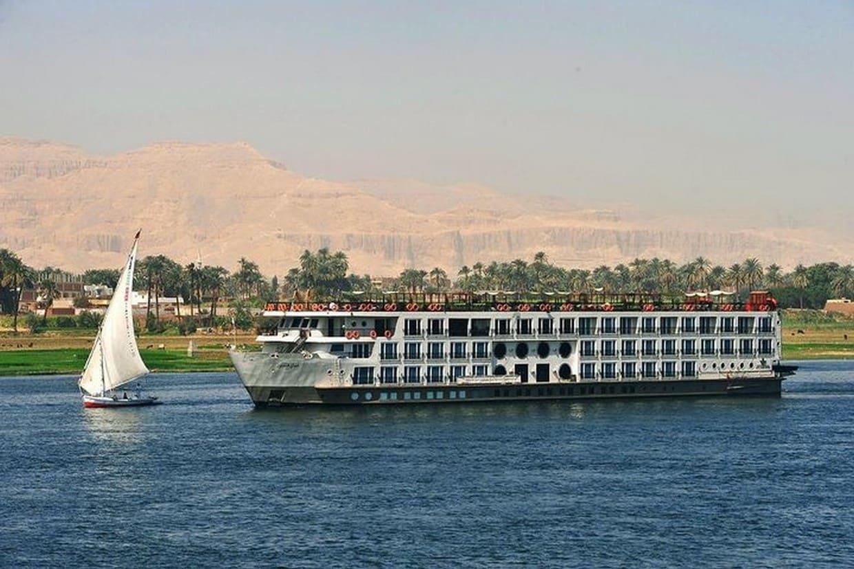 Tour Cairo, Aswan, Luxor and Nile Cruise + Camel Ride 1