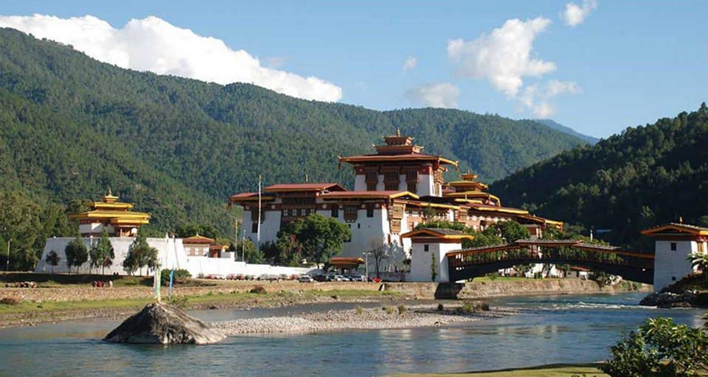 Bhutan Cultural Tour with 2-Day Bumdrak Trek 1