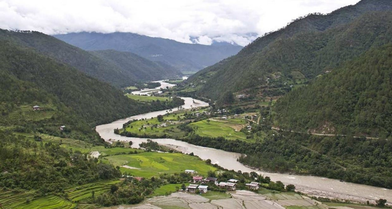 Bhutan Cultural Tour with 2-Day Bumdrak Trek 2