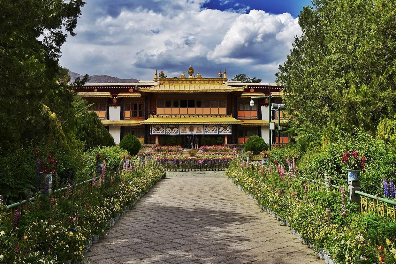Holy City Lhasa Tour 2