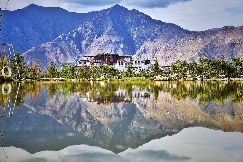 Holy City Lhasa Tour 4