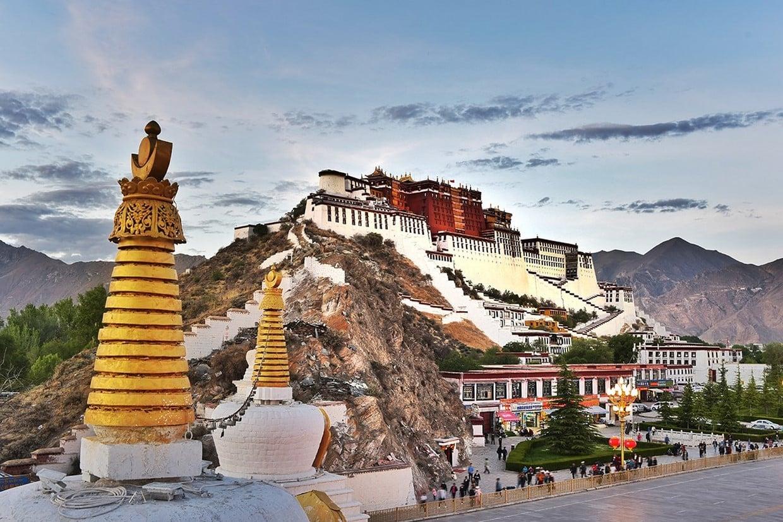 Holy City Lhasa Tour 1