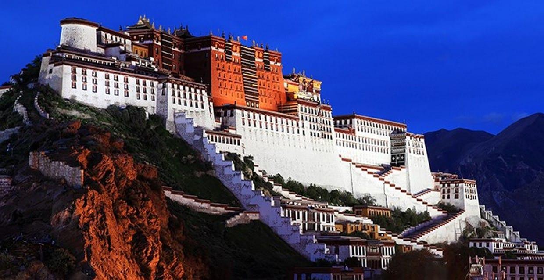 Holy City Lhasa Tour 8