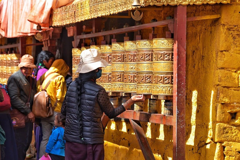 Holy City Lhasa Tour 9