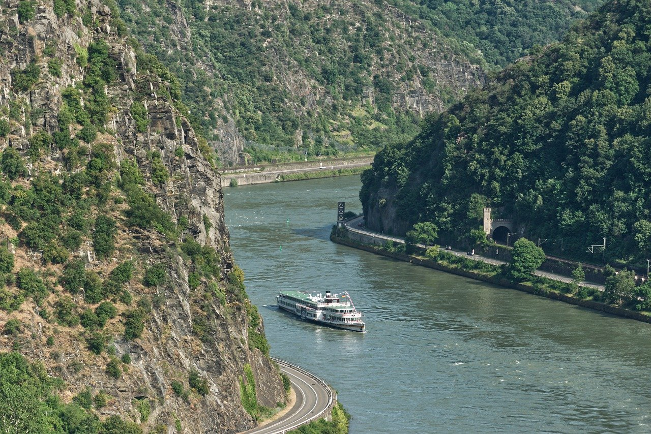 Cruise Riding in Rhine Valley