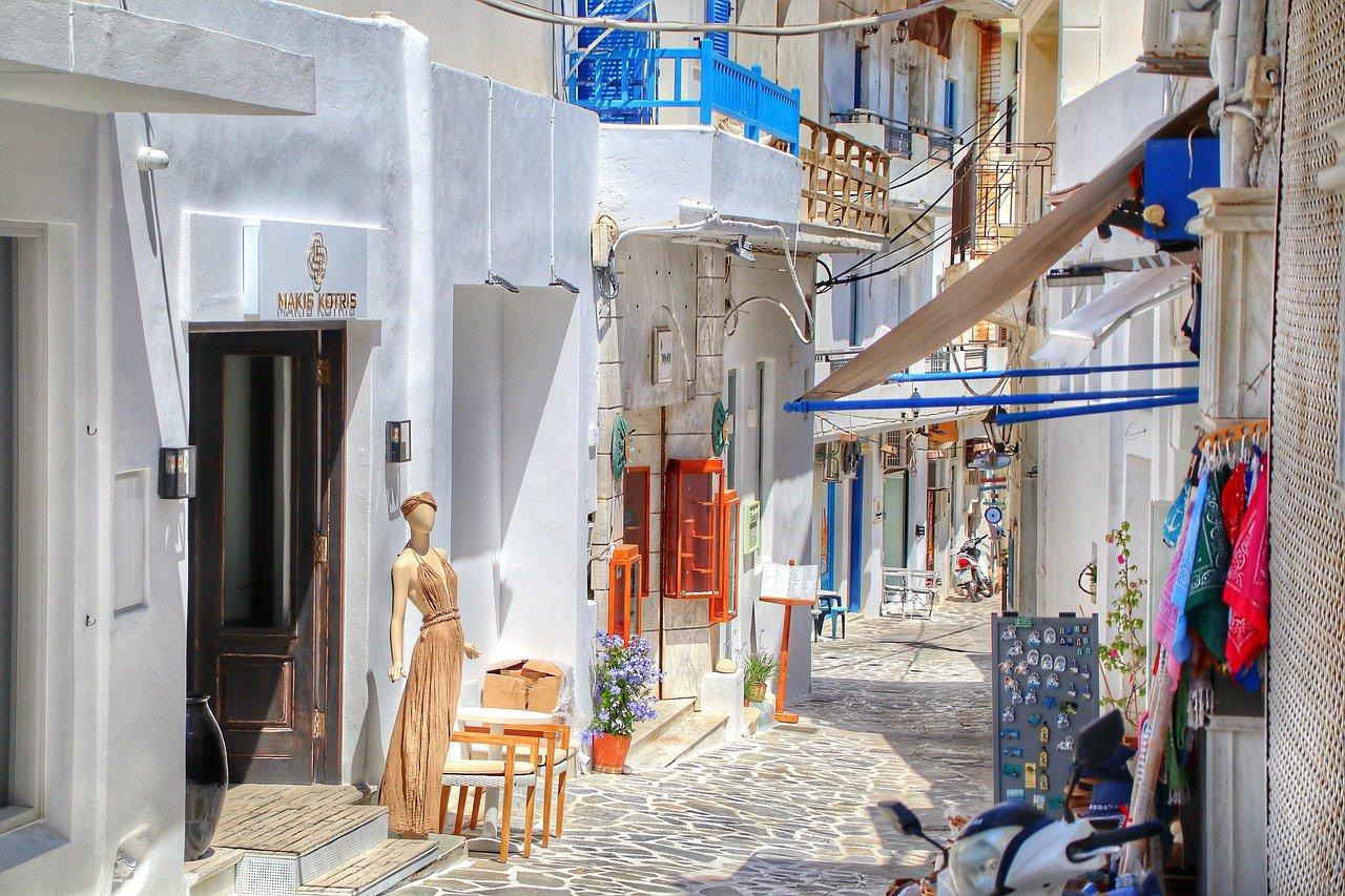 Greek Island Honeymoon Tour from Athens to Paros - Naxos - Santorini 7